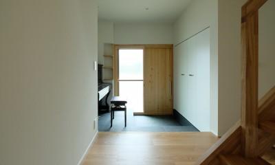 朝倉の家【リノベーション】 (ピアノホールとしても使われる玄関)
