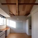朝倉の家【リノベーション】の写真 ラワン合板張りのLDK