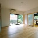 朝倉の家【リノベーション】の写真 ダイニングとの間仕切2