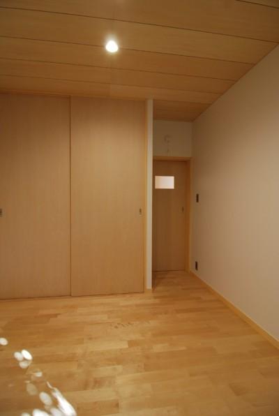 シナ合板敷目天井 (個性ある上下分離2世帯住宅~それぞれにかかる工事費を明確にしながらの住まいづくり~)