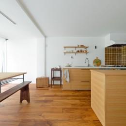 兵庫県N邸 − 壁の色で異なる雰囲気が楽しいお家 −