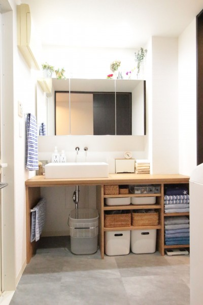 造作洗面台 (憧れを形に!夢が叶った無垢揃いなお家)