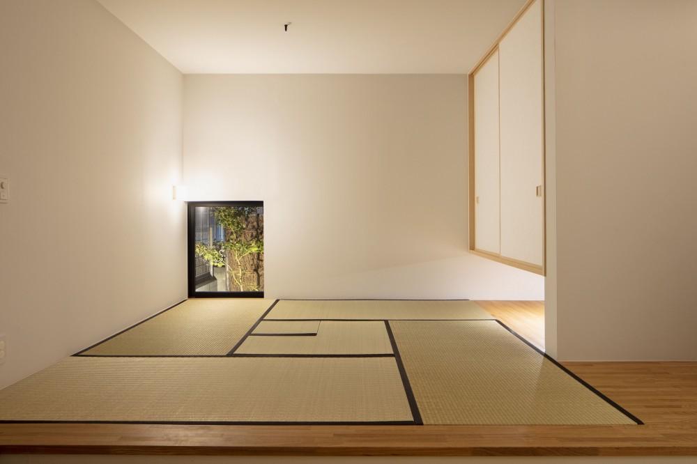 太子堂J邸 -路地裏に建つ雨宿りの家- (茶室にもなる和室客間)