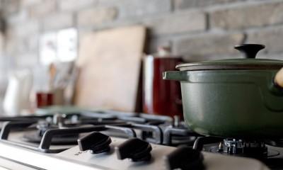 兵庫県K邸 − すてきな素材とともに夫婦の時間を楽しむ家 − (キッチン)