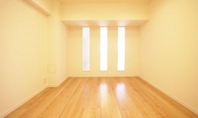 壁面にすりガラスでアクセントを (洋室)