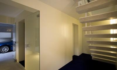 門前仲町の住宅 (1階玄関ホール)