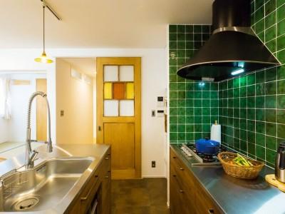 キッチン (récolte - 実家リノベで雑貨とグリーンと思い出に囲まれて暮らす)