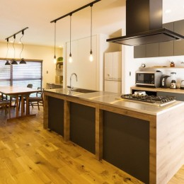 Legrand - アイランドキッチンを中心にぐるり。コンパクトな動線で家事効率UP!