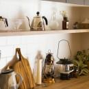 Legrand - アイランドキッチンを中心にぐるり。コンパクトな動線で家事効率UP!の写真 収納棚