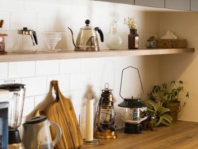 収納棚 (Legrand - アイランドキッチンを中心にぐるり。コンパクトな動線で家事効率UP!)