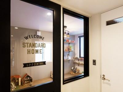 子供部屋 (Legrand - アイランドキッチンを中心にぐるり。コンパクトな動線で家事効率UP!)
