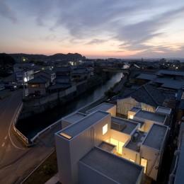 富津の2世帯住宅 (外観(夜景))