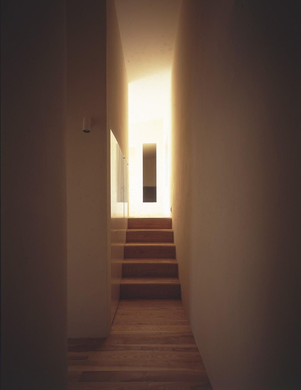 湯の山の住宅 (階段)