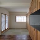 神楽坂の家 回遊できる小さな木の家|改修の写真 畳の間