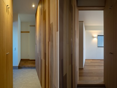 玄関と寝室 (神楽坂の家 回遊できる小さな木の家|改修)