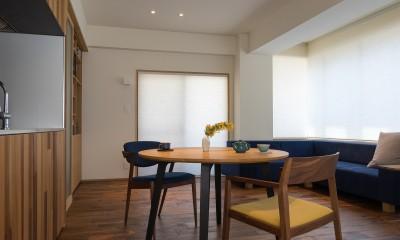 神楽坂の家 回遊できる小さな木の家|改修