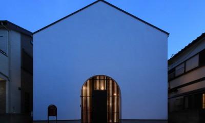 外観夜景|建もの探訪で放送 ピアノ室のある狭小住宅・スキップフロアを生かしたOUCHI-29