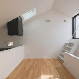 ピアノ室のある狭小住宅・スキップフロアを生かしたOUCHI-29 (リビングダイニング)