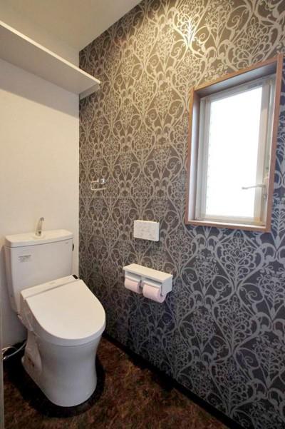 トイレ1 (玄関で繋がるブロックチェックの二世帯住宅)