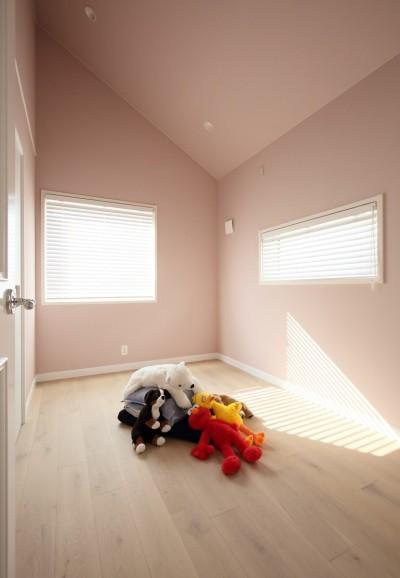 優しいピンク色の子供部屋 (F邸)