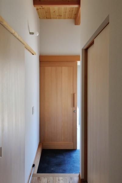 玄関 (六条の家)