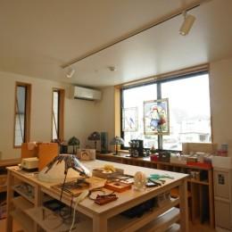 江古田の家 ―夫婦で趣味を楽しむ (趣味室-ステンドグラス工房)