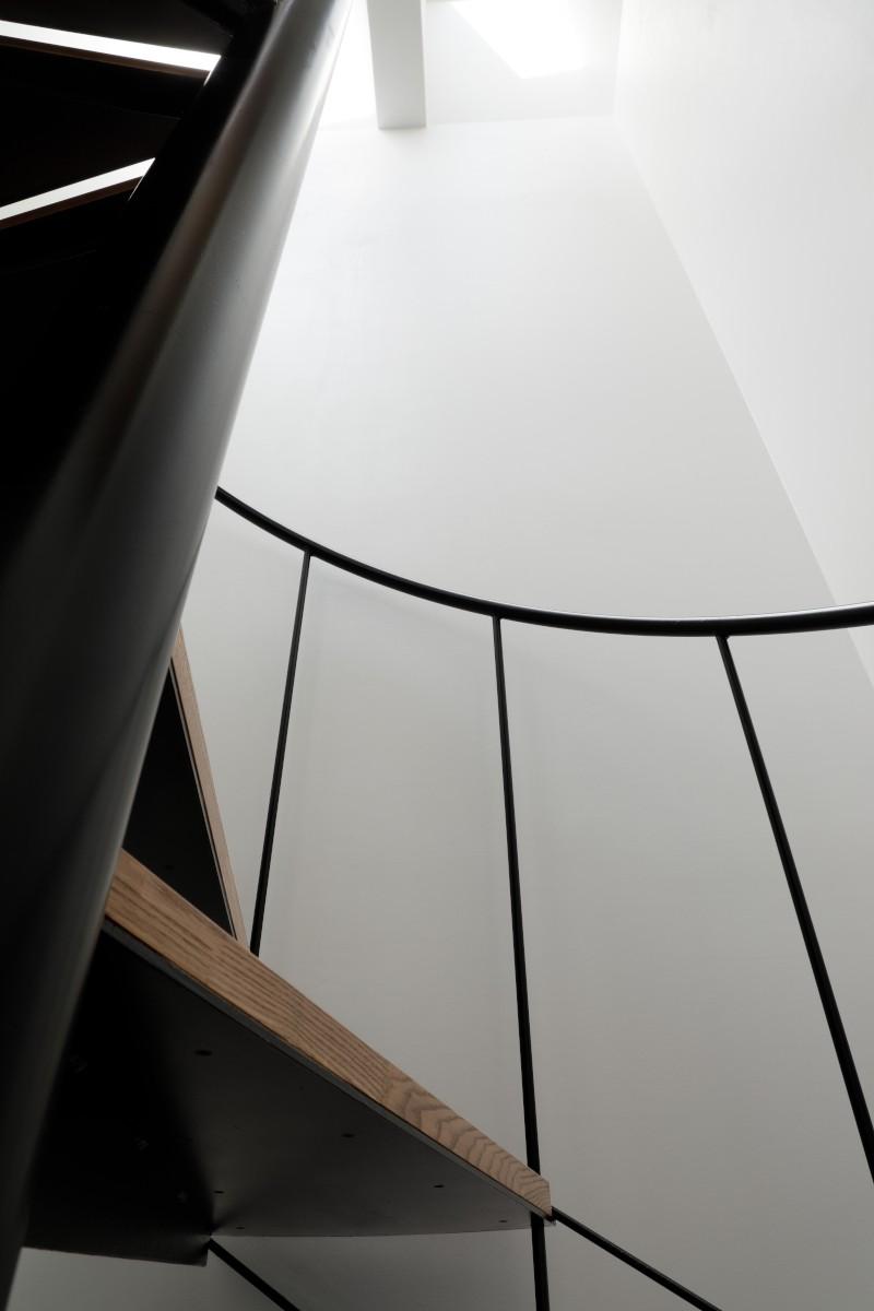 057鎌倉Mさんの家 (階段)