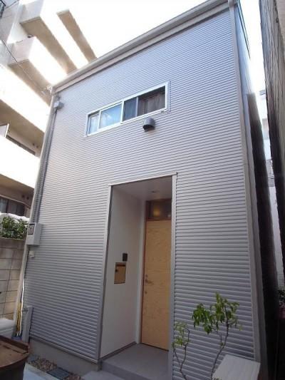 外観 (羽根木の家-9.5坪の敷地に)
