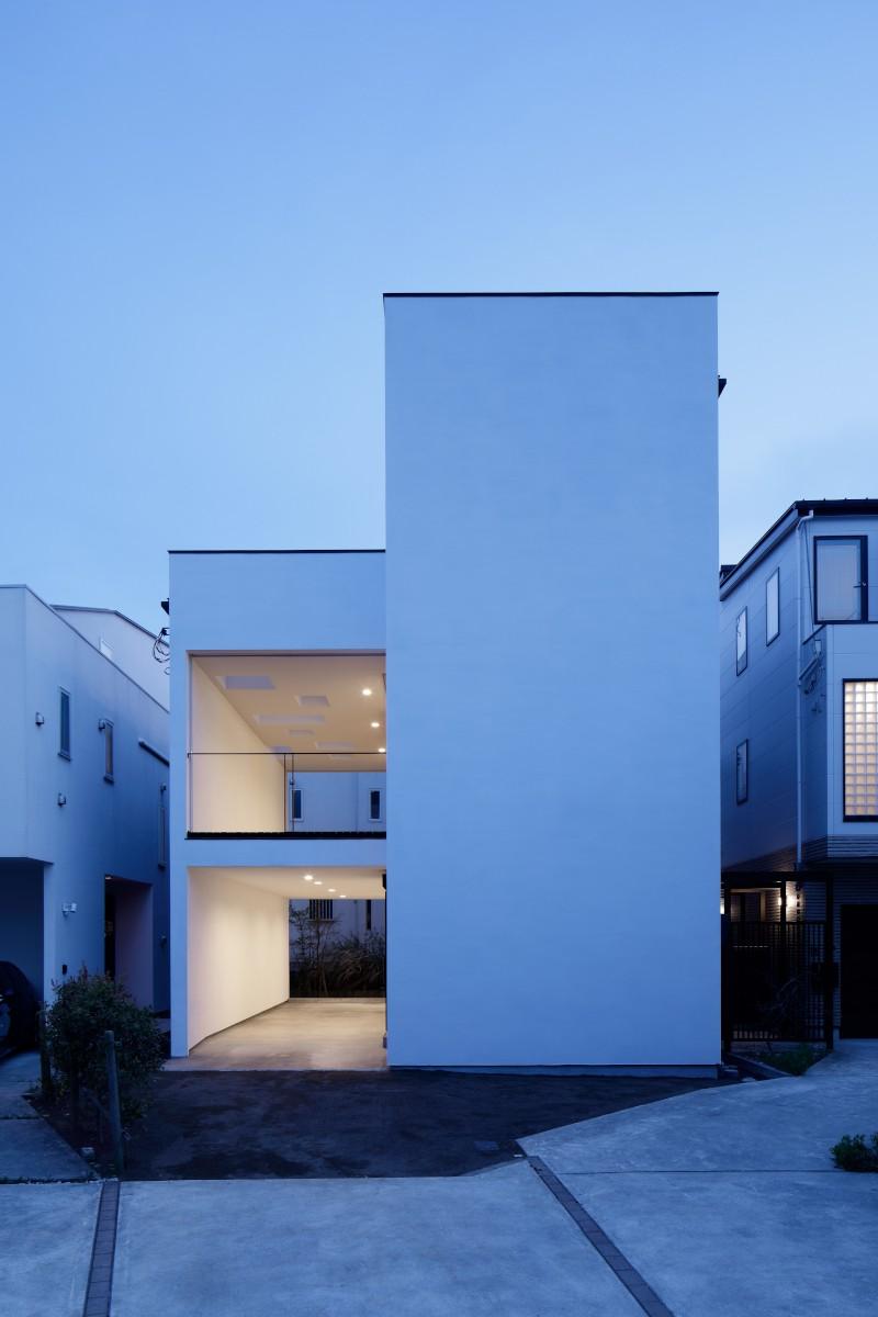 057鎌倉Mさんの家 (外観夕景)