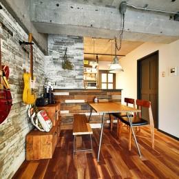 『コンクリート剥き出し』に自然素材をデザインする 大人ヴィンテージの温もりある癒しのリフォーム(マンション)