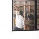 暮らしながら働く理想の暮らしの写真 室内窓