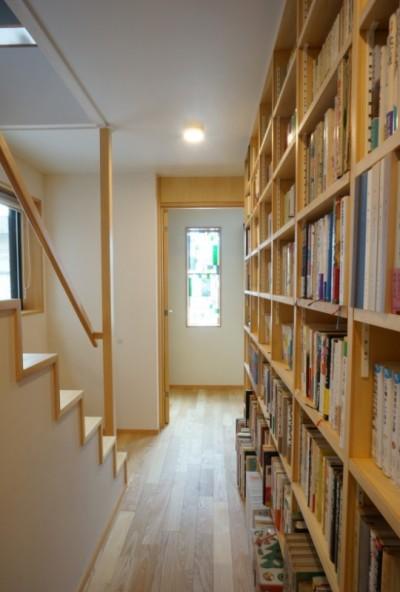 廊下 (江古田の家 ―夫婦で趣味を楽しむ)