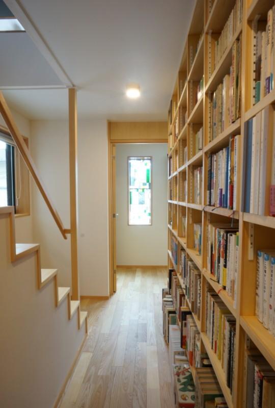 江古田の家 ―夫婦で趣味を楽しむ (廊下)