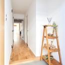 朝の静けさが心地よい家の写真 玄関