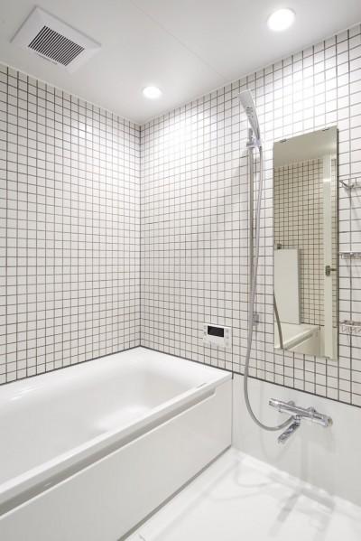 バスルーム (黒が際立つ渋めの我が家)
