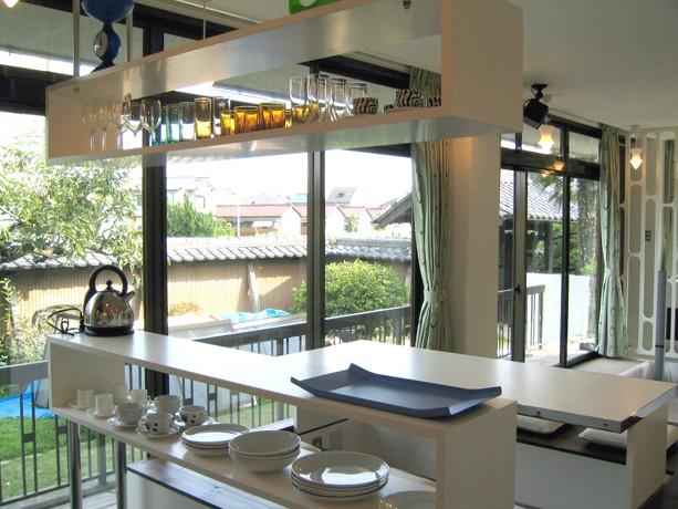 SZ-houose/平屋のリノベーション住宅 (キッチンの造作棚)