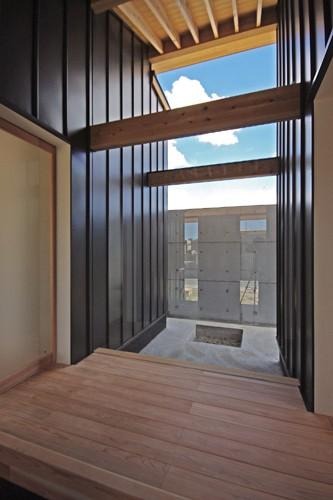 吉前の家 (玄関)
