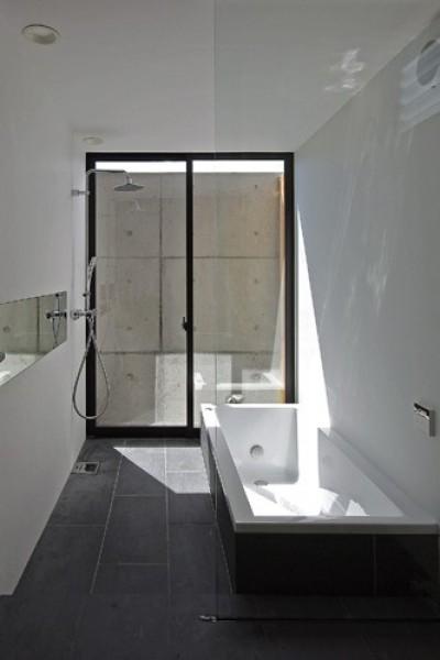 浴室 (吉前の家)