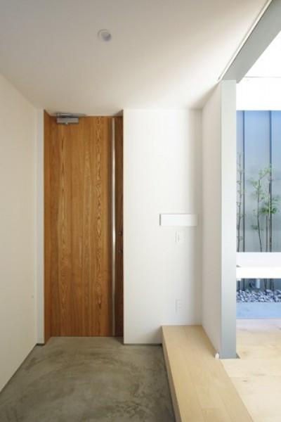 玄関 (飯村の家)