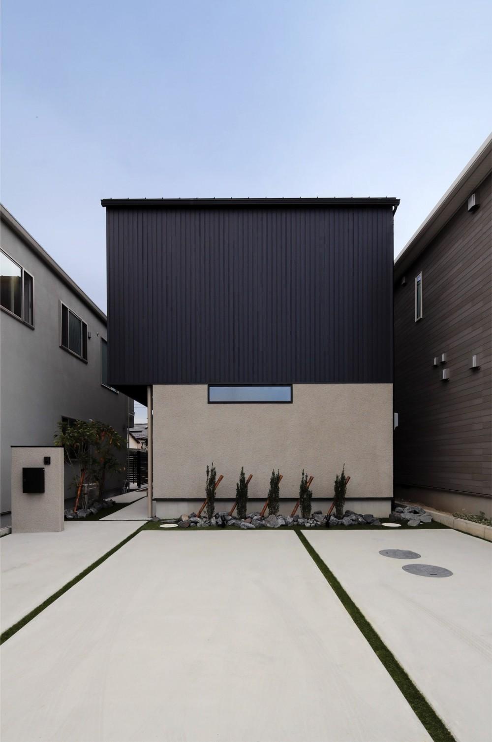 外部の視線を気にしない2階LDKの家 (外観)