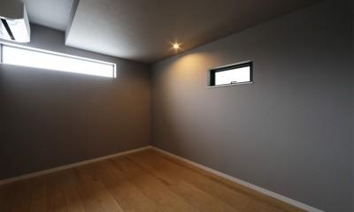 外部の視線を気にしない2階LDKの家 (洋室)