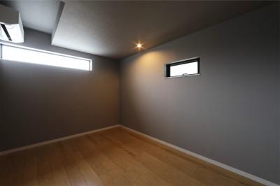 洋室 (外部の視線を気にしない2階LDKの家)