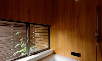 蓮田の家-大きな窓とデッキのある二世帯住宅- (桧風呂)