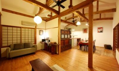 和室をなくし、料理教室が開ける広々DKへ。床も張替えて、レトロモダンなダイニングに。 (リビング/ダイニング)