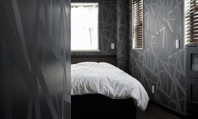 ニューヨークのクラシックなホテルをイメージした、印象深いインテリア (主寝室)