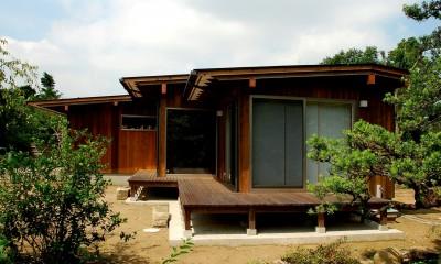 印旛の家 -終の棲家 緑の中に建つ平屋-