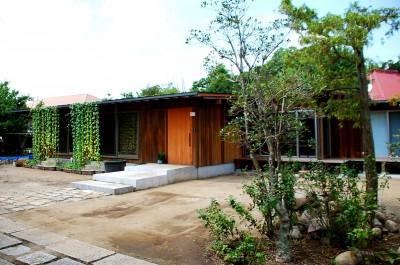 印旛の家-終の棲家 緑の中に建つ平屋- (外観)