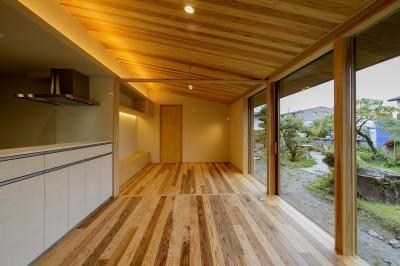 LDK (『上駒沢の家』プライベートを大切にした二世帯住宅)