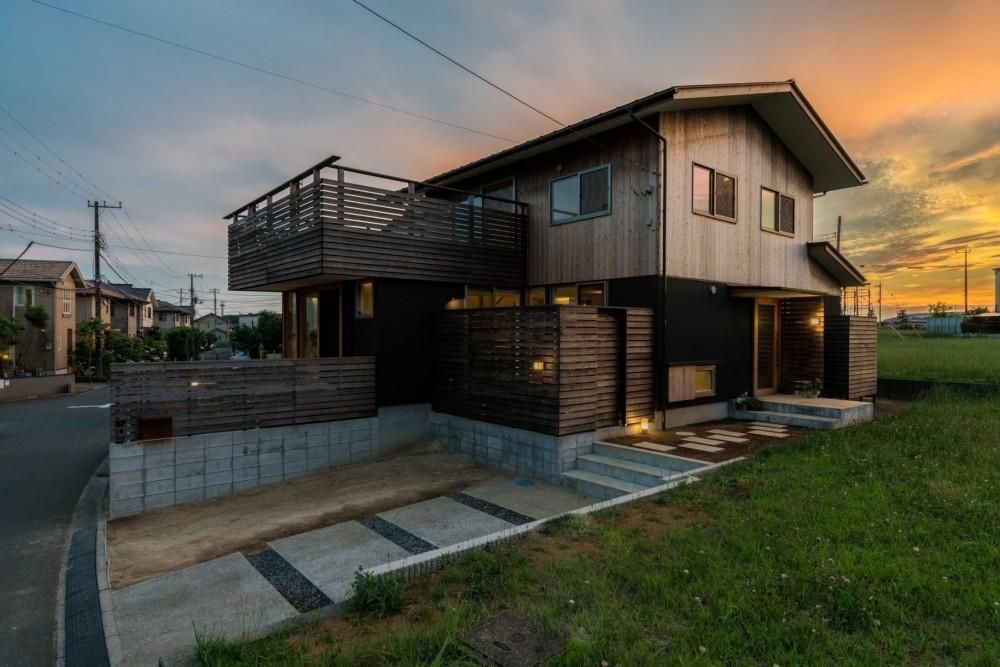 四街道の家-大きなバルコニーのある木の家- (外観)