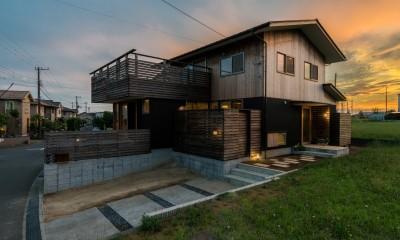 四街道の家-大きなバルコニーのある木の家-